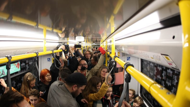 Il treno dei giornalisti che ha attraversato Berlino